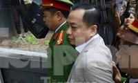 Riêng trong 1 vụ án tại Đà Nẵng, ông Phan Văn Anh Vũ bị xác định gây thất thoát 22.000 tỷ đồng qua việc chuyển nhượng 22 nhà đất công sản và 7 dự án bất động sản.