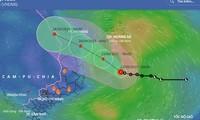Áp thấp nhiệt đới có khả năng mạnh lên thành bão, gây gió mạnh trên đất liền từ tối nay.