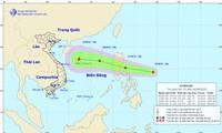 Xuất hiện áp thấp nhiệt đới gần Biển Đông, có thể hướng về miền Trung