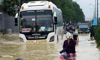 Nha Trang và nhiều thành phố miền Trung đối diện với nguy cơ ngập úng nghiêm trọng do mưa bão.