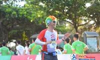 Runner Nhật 'hò hẹn' với đường chạy marathon Tiền Phong 2019