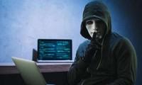 Nhiều sao Việt bị kẻ giả danh lừa hàng trăm triệu đồng qua Facebook