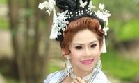 Nghệ sỹ cải lương Bình Tinh: 'Mùa COVID tôi livestream hát cải lương và bán hàng online'