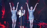 Nữ ca sĩ kiện ê-kíp phim 'Phượng Khấu' vì bỏ 300 triệu không có vai diễn như ý là ai?
