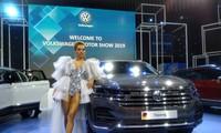 """Chiếc xe Volkswagen Touareg tạm nhập về trưng bày tại triển lãm Vietnam Motor Show 2019, có bản đồ định vị """"đường lưỡi bò"""""""