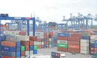 Bốn tháng đầu năm 2020, tổng kim ngạch xuất nhập khẩu hàng hóa của Việt Nam ước đạt gần 163 tỉ USD. Ảnh minh họa của: Tuấn Nguyễn