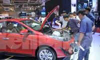 Bộ Tài chính bác bỏ đề xuất giảm 50% lệ phí trước bạ khi đăng ký ô tô
