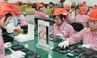 6 tháng qua, nhóm hàng xuất khẩu lớn nhất của Việt Nam vẫn là điện thoại các loại và linh kiện