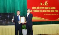 Phó Tổng cục trưởng Tổng cục Thuế Vũ Chí Hùng trao quyết định bổ nhiệm Cục trưởng Cục Thuế Vĩnh Phúc cho ông Lê Văn Phúc