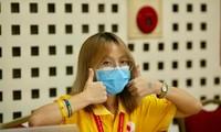 Sinh viên xoay xở nhưng không quên làm việc có ích trong những ngày mắc kẹt tại Hà Nội