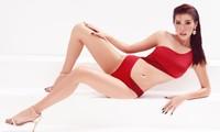 """Diện bikini nóng bỏng, Minh Tú khoe khéo chỉ số hình thể chuẩn """"đồng hồ cát"""""""