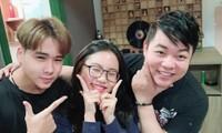 Giữa lúc Phi Nhung vướng ồn ào, Quang Lê lại đăng tải hình ảnh nhiều ẩn ý với con nuôi