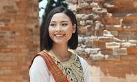 Người đẹp Đào Thị Hà diện trang phục Chăm quảng bá lễ hội văn hóa dân gian Khánh Hòa