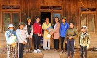 Nữ sinh nhận học bổng RMIT truyền cảm hứng cho học sinh dân tộc thiểu số