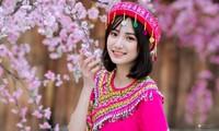 Hot girl Nam Định 'hóa' thiếu nữ H'Mông rạng rỡ đón Xuân