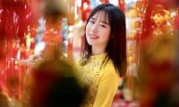 Rực rỡ sắc vàng với bộ ảnh áo dài Việt Nam đón Tết của du học sinh tại Mỹ