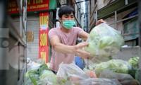 Nhóm tình nguyện giải cứu 30 tấn nông sản từ Hải Dương xuống phố Hà Nội