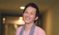 Khán giả nhói lòng nhìn nghệ sĩ Hoài Linh nén đau đớn đi diễn trở lại