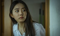 """Hàng loạt sao K-pop chịu cảnh bị ám ảnh trong lớp học kinh hoàng của """"Nam sinh số 11"""""""