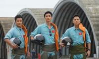 """Bình An đối đầu Thanh Sơn trong phim Tết, phải chăng vì một """"bóng hồng""""?"""
