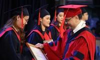 Tân cử nhân tốt nghiệp 3.98/4.0, đạt TOEIC 900
