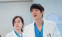 """Preview tập 8 """"Hospital Playlist 2"""": Cặp đôi Vườn Đông có biến, Jun Wan biết Ik Sun đã về"""