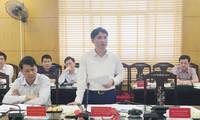 Chủ tịch UBND quận Thanh Xuân Nguyễn Xuân Lưu phát biểu tại buổi giám sát. Ảnh: Trường Phong