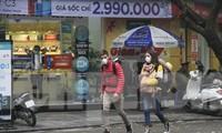Người nước ngoài du lịch ở Hà Nội. Ảnh minh họa: Trường Phong