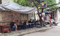 Chủ tịch Hà Nội: Dừng toàn bộ quán nước chè ở các vỉa hè