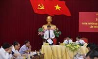 Trưởng ban Tổ chức Tỉnh uỷ Yên Bái Trần Huy Tuấn trả lời phóng viên báo chí. Ảnh: Như Ý