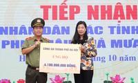 Hà Nội tiếp nhận 22 tỷ đồng ủng hộ đồng bào miền Trung