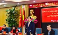 Bí thư Thành ủy Hà Nội Vương Đình Huệ phát biểu tại cuộc làm việc. Ảnh: PV