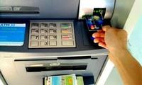 """Nhiều """"ông lớn"""" ngân hàng thông báo tăng phí ATM nội mạng từ ngày 15/7"""