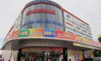 Cục thuế TP khen thưởng người cung cấp thông tin Nguyễn Kim nợ thuế