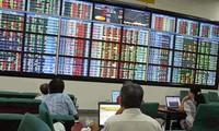 Giới đầu tư chứng khoán dè dặt chọn thời điểm mua bán thích hợp