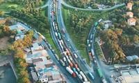 Tình trạng tắc nghẻn giao thông trên quốc lộ 51