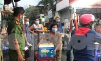 Dân Mả Lạng đem cả 'siêu thị' vào khu cách ly