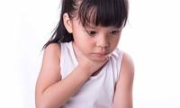 Trẻ em là đối tượng dễ hóc dị vật nếu không có sự quan sát của người lớn