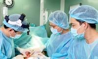 """Bác sĩ cứu nguy cho nữ bệnh nhân """"mông má vòng 1"""" ở cơ sở chui"""