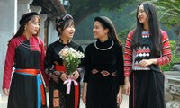 166 gương dân tộc thiểu số dâng hương Văn Miếu Quốc Tử Giám