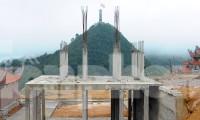 Đại công trường 'bức tử' không gian xanh cột cờ Lũng Cú