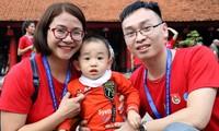 Gia đình nhỏ của anh Long chị Hương. Ảnh: Lâm Hải Đăng