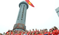 Hành trình Tôi yêu Tổ quốc lan tỏa tình yêu quê hương từ cột cờ Lũng Cú
