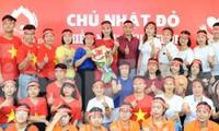 Hai người đẹp Việt Nam rạng ngời trong ngày hội hiến máu Chủ nhật Đỏ