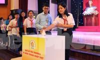 Đại biểu Đại hội Cháu ngoan Bác Hồ toàn quốc san sẻ yêu thương vì miền Trung