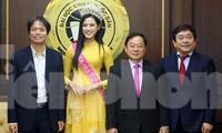 ĐH Kinh tế Quốc dân tự hào nữ sinh đầu tiên đăng quang Hoa hậu Việt Nam