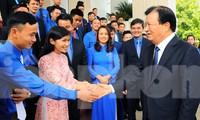 Phó Thủ tướng Chính phủ Trịnh Đình Dũng gặp gỡ 56 thanh niên nông thôn tiêu biểu