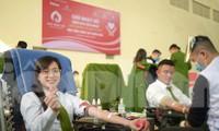'Bóng hồng' Học viện Cảnh sát Nhân dân sẻ chia giọt hồng lan tỏa Chủ nhật Đỏ