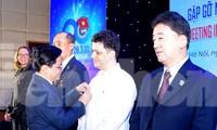 T.Ư Đoàn tặng kỷ niệm chương 'Vì thế hệ trẻ' cho 15 cá nhân nước ngoài