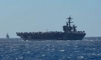 tàu sân bay USS Theodore Roosevelt và tuần dương hạm Bunker Hill trên biển Đông